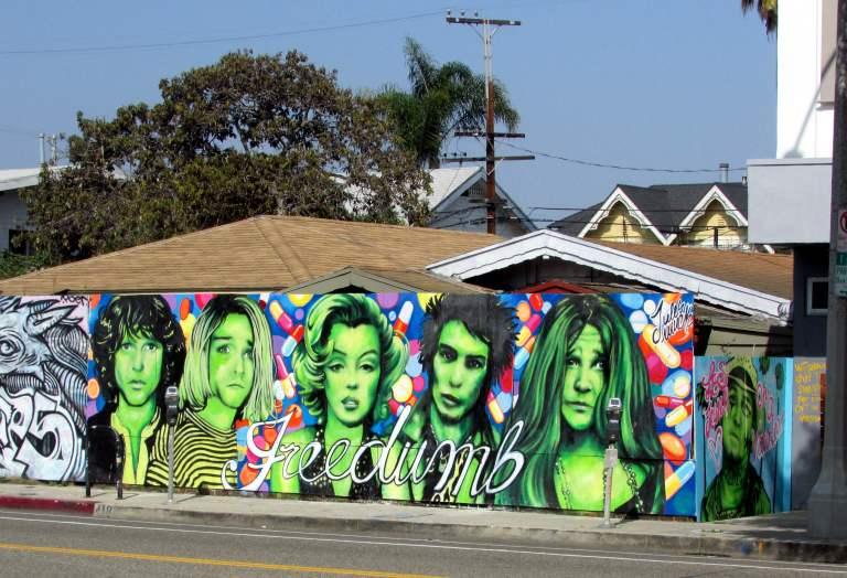 Freedumb streetart Venice Beach